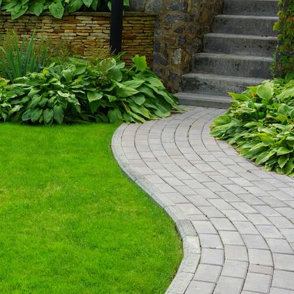 Wir beraten Sie gerne bezüglich Ihrer Bauvorhaben im Bereich Garten- und Landschaftsbau und bieten Ihnen eine professionelle Umsetzung Ihrer Pläne an.<br /> Kontaktieren Sie uns!